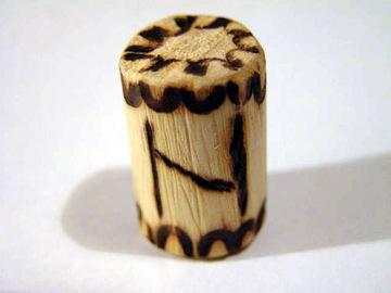 Руна Хагалаз из дерева