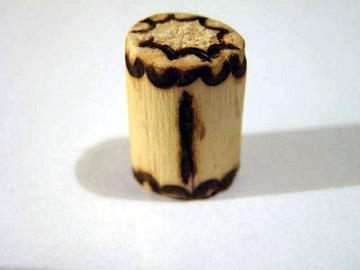 Руна Иса из дерева