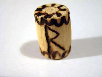 Руна Райдо из дерева